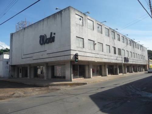Edificio Comercial En El Centro Planta Baja, (disponible 3 Plantas)