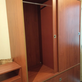 Closet 4 Puertas, Gavetas Y Entrepaños. Excelente Estado.