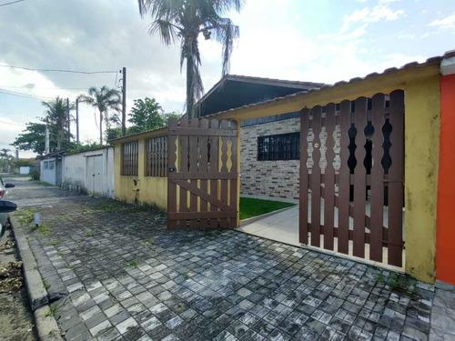 Imagem 1 de 14 de Ref-921 Casa Com Piscina 3 Quarto,3 Vagas De Garagem