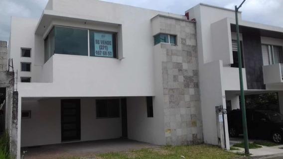 Casa En Venta Fraccionamiento Privado Y Vigilancia.