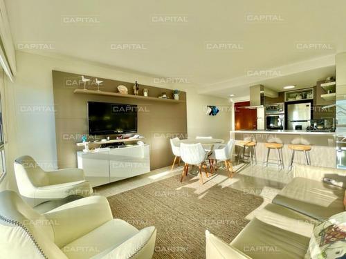Apartamento Reciclado Con Vista Al Mar En Venta Tres Dormitorios- Ref: 31098