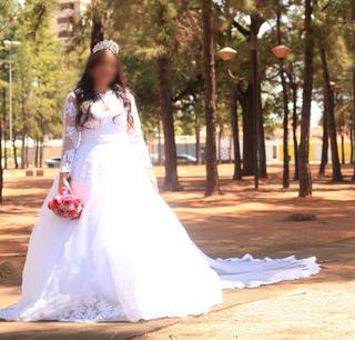 Vestido De Noiva Longo Rendado + Véu 3m + Tiara + Brincos
