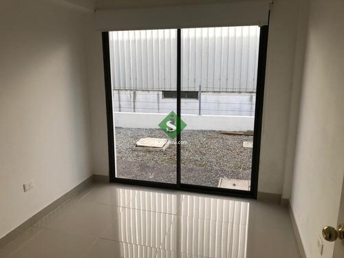 Alquiler De Apartamento En San Fernando, 1 Dormitorio, Baño, Patio.- Ref: 168234