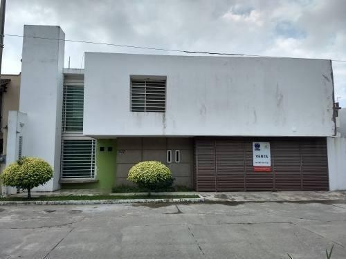Casa Grande En Venta Fracc. Real Del Sur Oportunidad