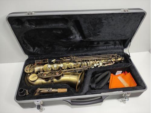 Saxofone Mib Alto Lumini Escovado Dourado Zerado  Completo
