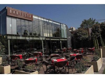 Nueva Costanera / Mall Casa Costanera, 350 M2 / Estacionamientos