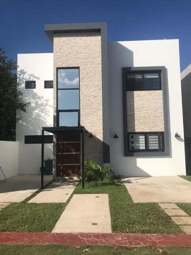 Casa En Venta En Playa Del Carmen De 3 Habitaciones