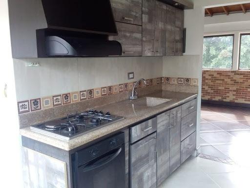 Apartamento En Arriendo Carlos E. Restrepo 472-1065