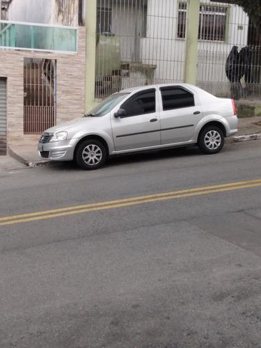 Imagem 1 de 8 de Renault Logan 2011 1.0 16v Authentique Hi-flex 4p