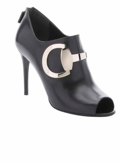 Zapatos Botin Gucci Negro Piel Nuevo Con Hebilla Color Plata
