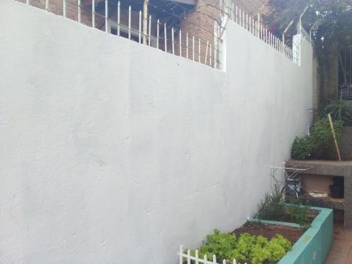Imagem 1 de 5 de Limpeza De Terrenos E Pintura