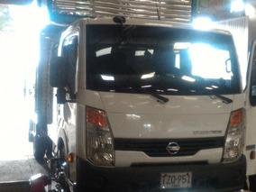 Vendo Camion Nissan 2013
