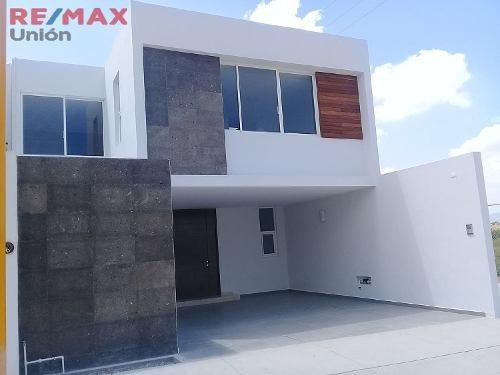 Casa Nueva En Venta Al Norte Zona San Telmo