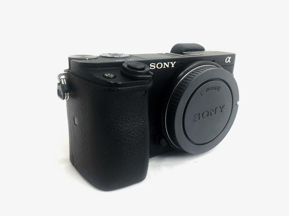 Câmera Sony A6300 - Pouco Uso
