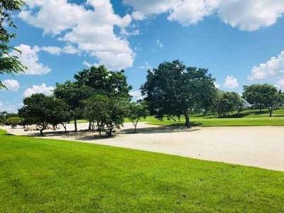 Lote Frente A Campo De Golf Con Acción En Kilil Country Club Yucatán