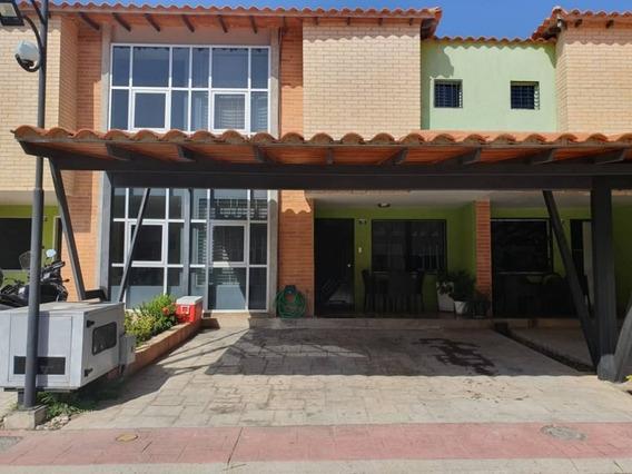 Townhouses En Venta Cod, 417640 Eucaris Marcano 0414010444
