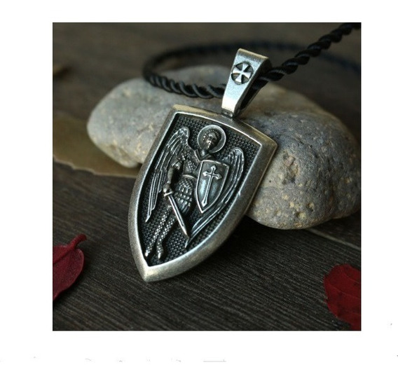 Medalla De San Miguel Arcángel (aleación)