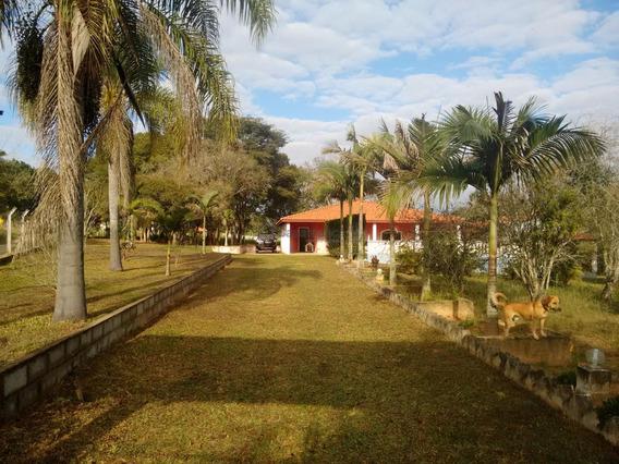Chácara À Venda Com 10.353 M², Com 2 Dormitórios, Sendo 1 Suíte Por R$ 500.000 - Rio Acima - Itapetininga/sp - Ch0347