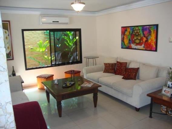 Casa En Venta Este Barquisimeto 20-8381 Jcg