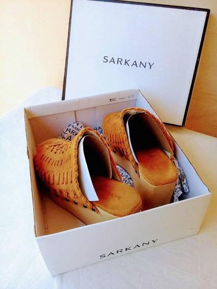 Zuecos Sarkany