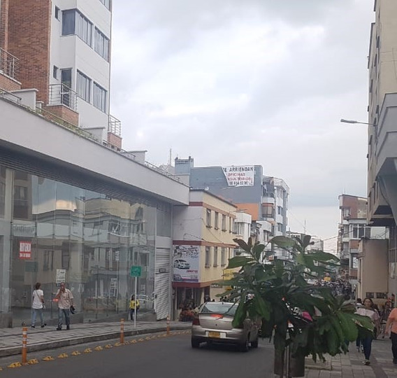 Local Comercial No 4 - 355 M2 Centro De Armenia