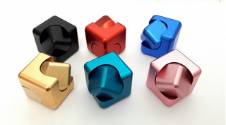 Spinner: Fidget Spinner Cubo Aluminio Antiestres Envio Grati