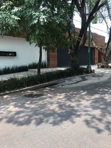 Imagen 1 de 13 de Espectacular Casa Con Vista Verde