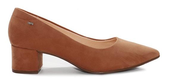 Zapato, A Pie, Kattie