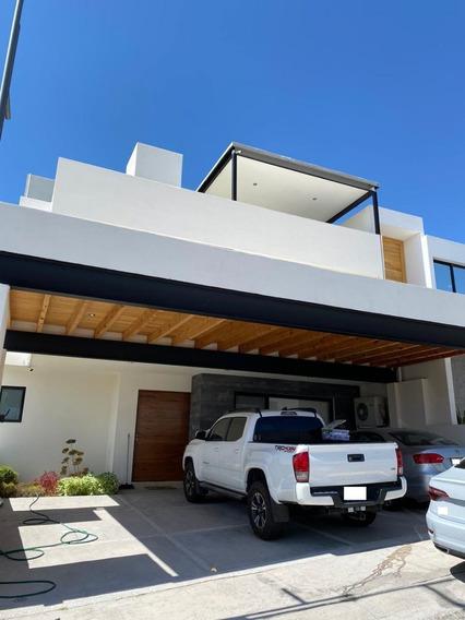 Casa De 4 Hab En Lomas De Juriquilla