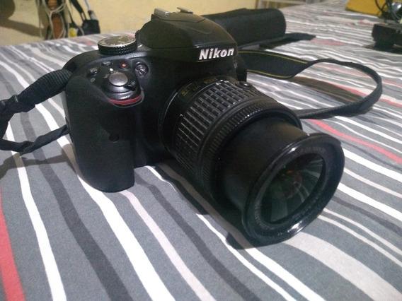 Nikon D3300, Acompanhada Com Flash E Dois Rádios Flash.