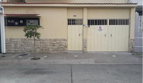 Habitaciones Amobladas O Departamento Sin Amoblar