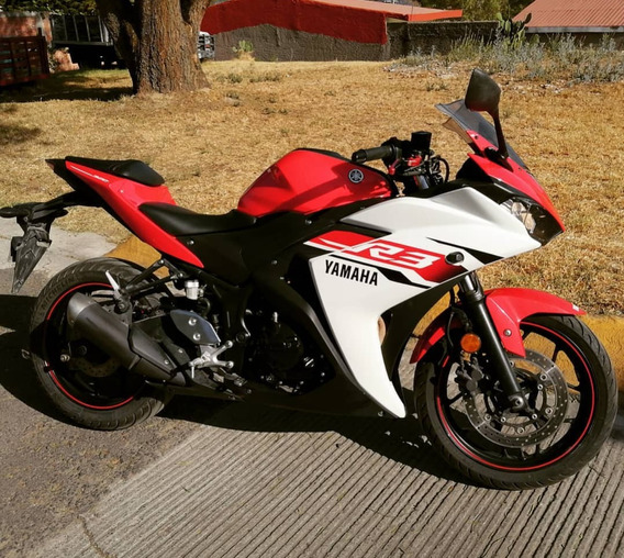 Yamaha R3 Roja