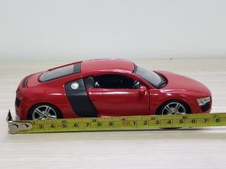 Miniatura Top De Linha Audi R8 V10 Vermelho / 1/24 18cm