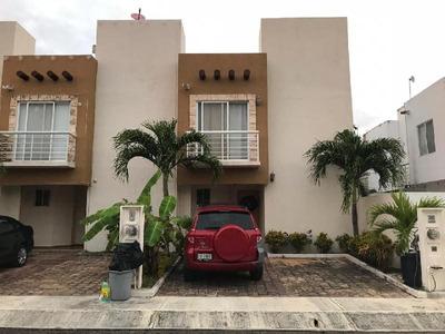 Casa En Venta En Cancun En Terrarium Privada Con 15 Casas