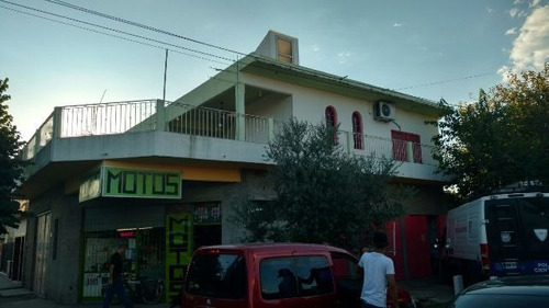 Local En Venta En Isidro Casanova