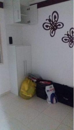 Apartamento Para Venda Em Valinhos, Alvorada, 2 Dormitórios, 1 Banheiro, 1 Vaga - Ap 1175