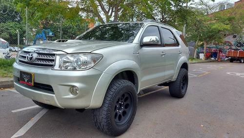 Toyota Fortuner Srv 3.0 Mt