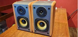 Parlantes Bafles Monitores Potenciados Edifier R 1000 Tcn