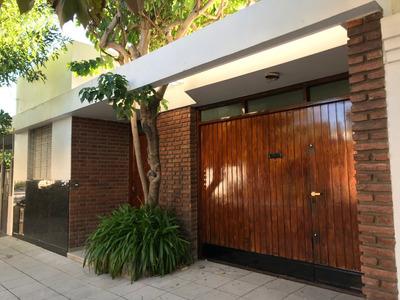 Casa 3 Ambientes Con Parque, Quincho Y Cochera Cubierta.