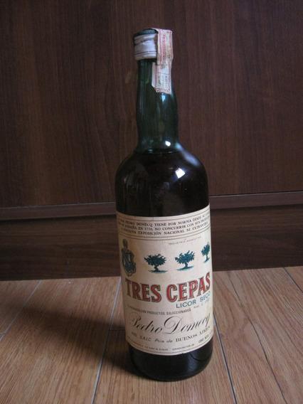 Antigua Botella De Licor Seco Tres Cepas, Domecq, Cerrada