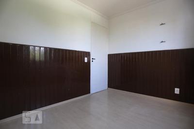 Apartamento No 4º Andar Com 2 Dormitórios E 1 Garagem - Id: 892899735 - 199735