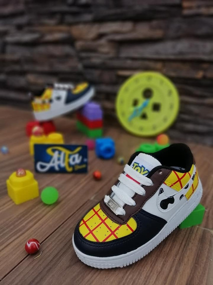 Tenis Woody De Toy Story 4