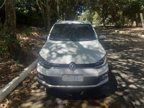 Imagem 1 de 9 de Volkswagen Crossfox 2015 1.6 16v Msi Total Flex I-motion 5p