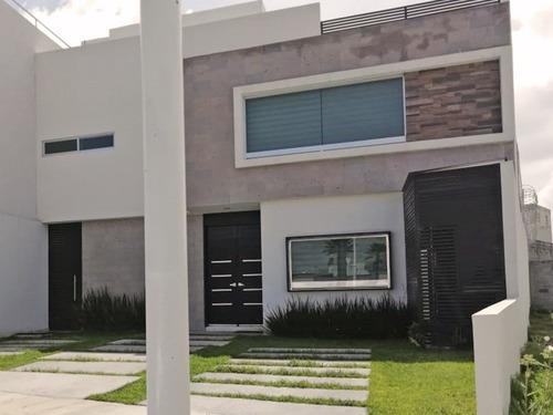 Rento Bonita Casa En Zona Plateada