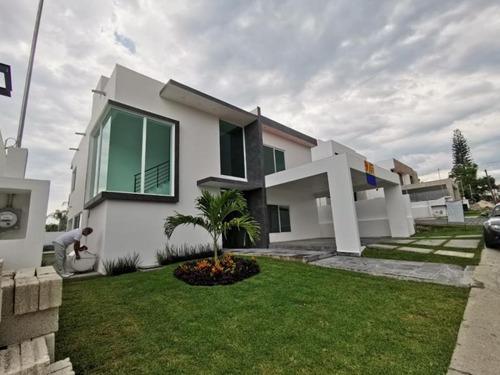 Imagen 1 de 12 de Casa Sola En Venta Lomas De Cocoyoc