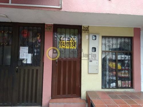 Apartamento En Arriendo El Carmen I 704-8534
