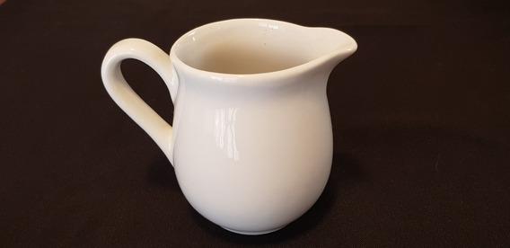 Lechera De Ceramica Blanca.