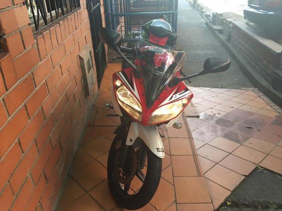 Yamaha R15 - Mod 2015