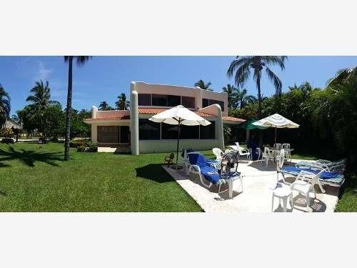 Casa Sola En Venta Fracc. Playa Diamante
