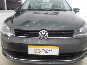 Volkswagen Voyage Highline 1.6 2015 14000km 4 Puertas